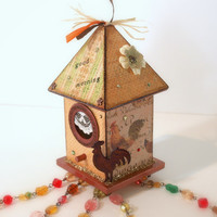 Birdhouse Suncatcher Rooster Country Theme Beaded by rrizzart