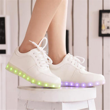 2016 Women Colorful glowing shoes with lights up led luminous shoes a new simulation sole led shoes for adults neon basket led