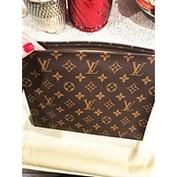 【Trulym】Louis Vuitton LV Women Makeup Bags Men's Business Bag Classic Leisure  Handbag Clutch Bag