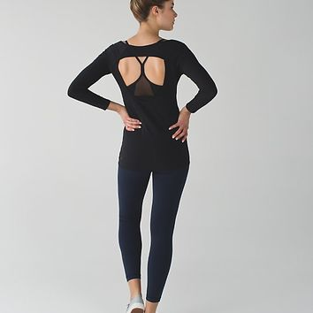 physically fit long sleeve tee | long sleeve yoga & running tops | lululemon athletica