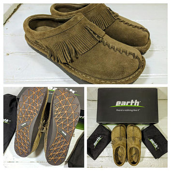 "Suede Earth® Shoes with Fringe Women's Size 6 1/2 Leather ""Emerald"" Khaki Cow Split Slip On Mules Vintage New In Box Never Worn Hippie Boho"