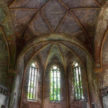 ABANDONED CHURCH STAINED GLASS HIGH CEILING PRINTED BACKDROP - 8x8 - LCTC6370 - LAST CALL