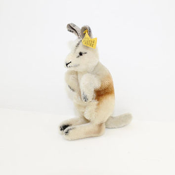 Vintage 1960s Steiff kangaroo Linda soft toy mohair straw filled with button and yellow flag