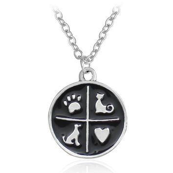 Simple Black Cat Dog Paw Print Pendant Necklace Charm Animal Jewelry Love Heart Kitten Pet Cute Alloy Necklaces Women Gift 2018