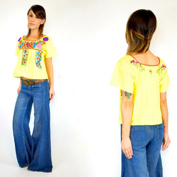 vintage 1970s mexican EMBROIDERED bohemian hippie folk OAXACAN peasant blouse CROP top, extra small-small