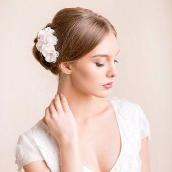 Wedding Flower Hair Piece - Bridal Hair Piece Floral - Wedding Headpiece - Flower Headpiece - Bridal Headpiece with Lace and Rhinestone