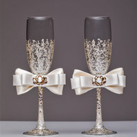 Personalized wedding flutes ivory and gold Wedding champagne glasses Toasting flutes Champagne flutes ivory champagne flutes wedding flutes