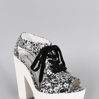 Qupid Abstract Print Cutout Lace Up Platform Heel Color: Black-white, Size: 9