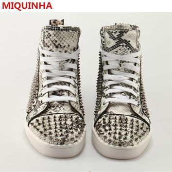 2017 Shoes Man Casual Lace Up High Top Flats Snakeskin Metal Rivets Designer Man Flats Shoes Punk Street Dance Shoes Cozy Flats