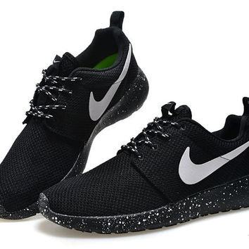 """NIKE""Trending Fashion Casual Black Sports Shoes"