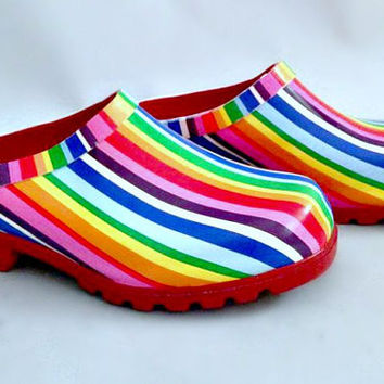ViNtAgE 90's Women's Rainbow Clogs MuLti-CoLoReD Pride Shoes Rubber Garden Slides HiPPiE Mules 37 6
