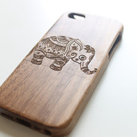 Elephant iPhone 5c Case, Wooden iPhone 5c Case, Bamboo Engraved iPhone 5c Case