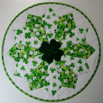 Quilted Table Topper , Shamrock Dresden Plate Candle Mat , Circular St. Patrick's Day Table Mat , Green/White