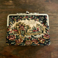 Vintage Tapestry Floral Purse Handbag/Art and Collectable/Special Occasion Bag/Retro Vintage Petite Point/Kiss Clasp