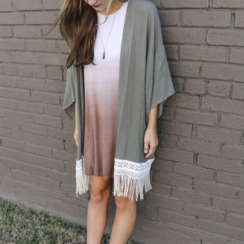 Bat Sleeve Lace Fringed Shawl Cardigan Jacket in Gray