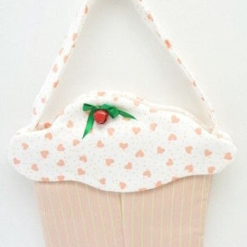 Happy Day cupcake purse goodie bag gift bag little girl pink hearts cup124