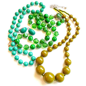 Vintage Green Jewelry Lot - Beaded Necklace - Clip On Earrings - Olive Teal Turquoise Green - Jewelry Set - Wear Resell Repurpose