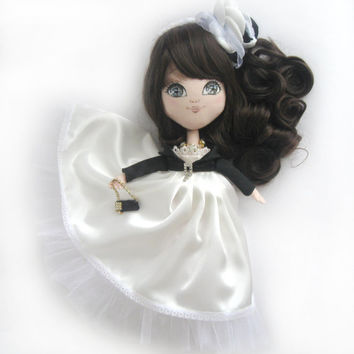 Art cloth doll Karina :  I am going to the prom