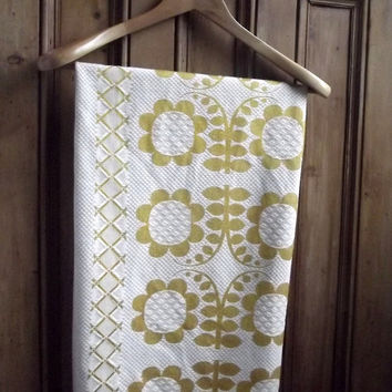 vintage fabric retro tablecloth throw gold floral cottage chic english shabby chic cream home decor 1960s