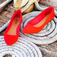 Point Me North Flats: Bright Red | Hope's