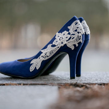 Blue Bridal Shoes, Cobalt Heels, Bridal Shoes, Blue Wedding Heels, Bridal Heels, Low Wedding Shoes, Blue Pumps with Ivory Lace. US Size 7.5