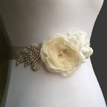 Bridal Sash Bridal Belt Wedding Sash Wedding Belt Vintage Style Shabby Chic Ivory Rose and Rhinestone Satin