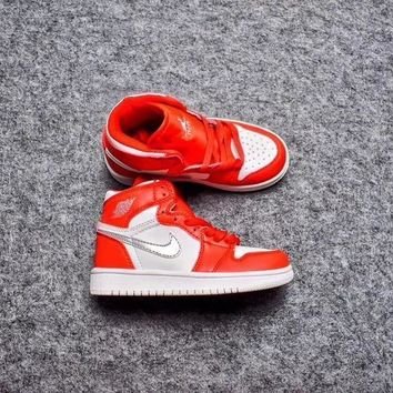 Nike Air Jordan Retro 1 High OG White Red Silver Kid Basketball Shoes for Youth Boys and Child