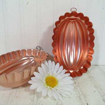 Mid Century Copper Color Aluminum Fluted Oval Mold Bowls Set of 2 - Vintage Metal KitchenWare Jello Pans- Retro Décor Collectible Accent Duo