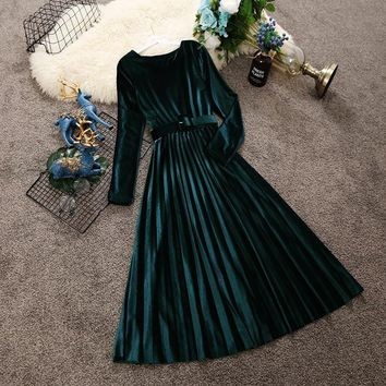 2018 autumn and winter new women round neck long sleeve waist velvet dress female O-neck vintage elegant pleated dresses