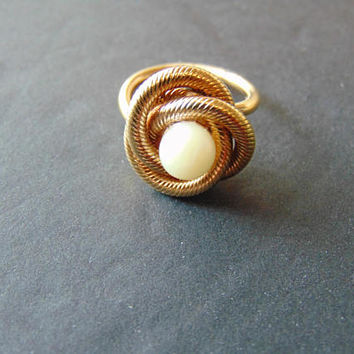 Vintage signed Sarah Coventry Celtic Twist Knot Rope and Pearl Gold tone Ring Size 5 Vintage Costume Jewelry