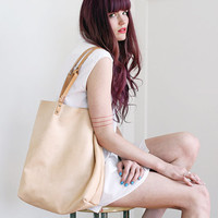 YELAPA LEATHER TOTE - Nude