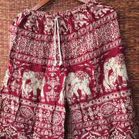 Large Unisex shorts Boho Hippie with elephants printed for Beach Summer Clothing Aztec Ethnic Styles Hipster men fashion Gift him In Red