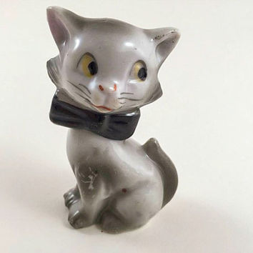Vintage Cat Kitty Figurine Kitschy Cat Kitschy Kitty Gray Cat Ceramic Cat Mid Century Retro Kitsch Kitschy Home Decor