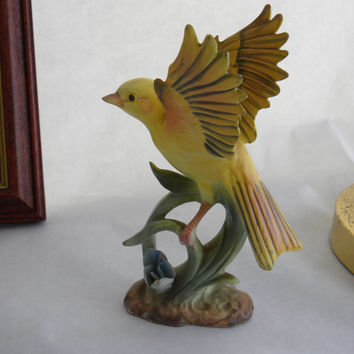 Yellow Canary Porcelain Bird, Yellow Bird Figurine Canary Goldfinch, Napco Porcelain made in Japan