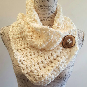 Crochet Scarf. Infinity Scarf. Infinity Cowl. Cowl. Scarf. Chunky. Katniss inspired cowl. Wood button cowl. Button scarf. Cream