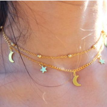 Multi-layer simple and elegant luggage moon star necklace