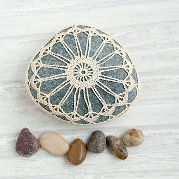 crochet lace stone // rustic beach // river rock // sea life // art object // ecru // wedding decor