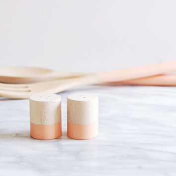Cantaloupe Maple Wood Mini Salt and Pepper Shaker Set | Wedding Table Salt and Pepper | Wedding Favors | Kitchen Decor | Hostess Gift