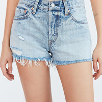 Levi's 501 Frayed Denim Short - Waveline | Urban Outfitters