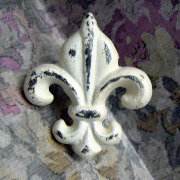 Fleur de lis Cast Iron Drawer Pull / Knob / Cabinet Knobs Shabby Chic Distressed Rustic French Decor Creamy Off White ( Ecru)