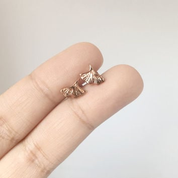Gingko Stud Earrings, Rose gold gingko leaf earrings, Leaf Stud Earrings, Rose Gold Flower Earrings, Rose gold earrings, minimalist earrings