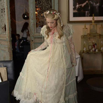 Juliette Dress-marie antoinette-Titantic-Gown-Edwardian-Princess-Corset-Pearls-Lace-Bustle Minty Green-Dress-Ribbon Corset-Ruffles-S