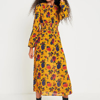 Kimchi Blue Floral Shirred Waist Midi Dress | Urban Outfitters