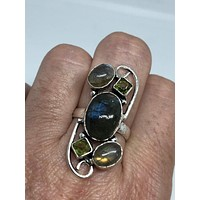Vintage Large blue green Labradorite and peridot stone silver ring