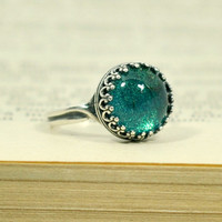 Antique Silver Crown Emerald Green Ring, Adjustable Glass Dome Ring