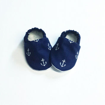 Handmade Soft Soled Baby Moccs / Moccasins / Booties / Crib Shoes Navy Blue and White Anchors