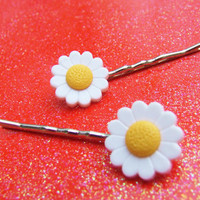 Daisy Bobby Pins - White Yellow Flower Bobby Pins - Blossom Bloom - Hippies Hippy - Barrette Hair Clip - Hair Accessories - Hair Accessory