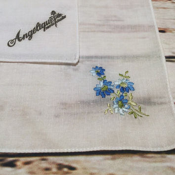Handkerchief Embroidered with Blue Flowers . Vintage Ladies Hankie . White Handkerchief .
