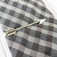 Arrow Tie Bar- Arrow Tie Clip- Vintage Style- Groomsmen Gift- Valentines Gift- Silver or Brass Finish