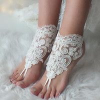 FAST SHIPPING Ivory lace barefoot sandals, Bridal shoes, Wedding shoes, Bridal footless sandals, Beach wedding lace sandals, Bridal anklet
